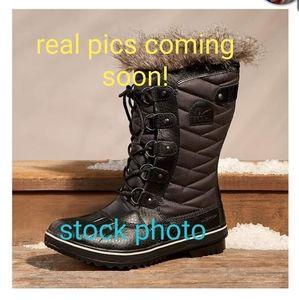 Black Sorel Winter Boots w Fur Trim